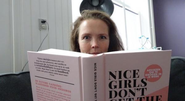 Recensie: Nice girls don't get the corner office
